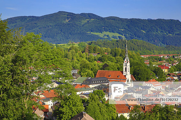 Ausblick vom Kalvarienberg  Bad Tölz  Oberbayern  Bayern  Deutschland  Europa