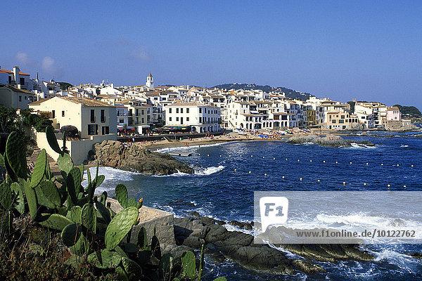 Blick auf Calella de Palafrugell  Costa Brava  Katalonien  Spanien  Europa