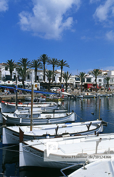 Fischerboote in Fornells  Menorca  Balearen  Spanien  Europa