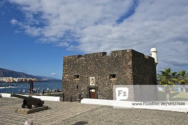 Kastell an der Playa Jardin in Puerto de la Cruz  Teneriffa  Kanarische Inseln  Spanien  Europa