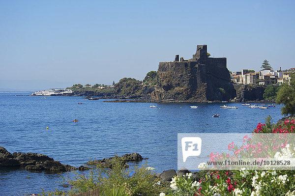 Kastell Aci Castello  Aci Castello  Provinz Catania  Sizilien  Italien  Europa