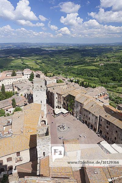Piazza della Cisterna  San Gimignano  UNESCO Weltkulturerbe  Toskana  Provinz Siena  Italien  Europa