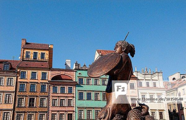 Warschau Hauptstadt Schönheit Stadt Quadrat Quadrate quadratisch quadratisches quadratischer Statue Mittelpunkt Bronze alt Polen