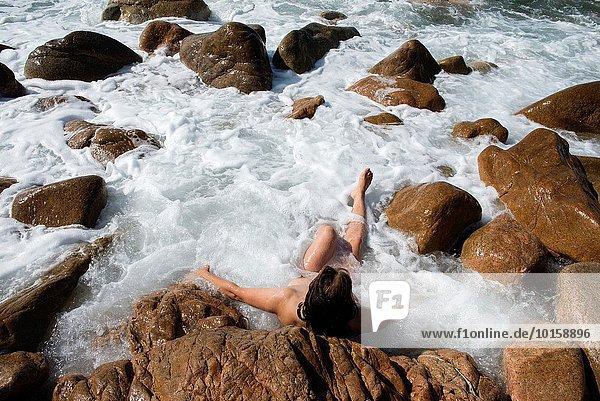 Seifenschaum Schaum Whirlpool Frau Landschaft Meer