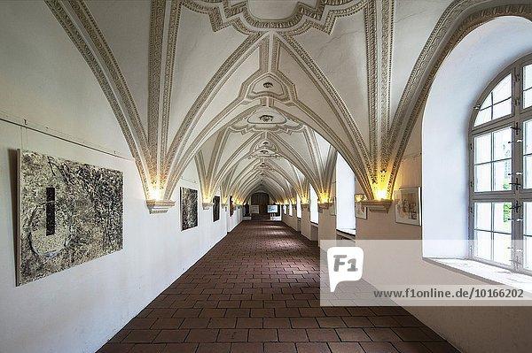 Kreuzgang im Kloster Benediktbeuern  Bayern  Deutschland  Europa