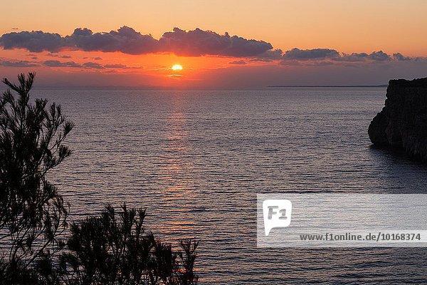 nahe Europa Sonnenuntergang Insel Höhle Gepäckträger Portier Menorca Spanien