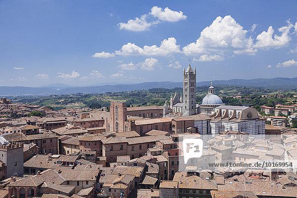 Altstadt mit Dom Santa Maria Assunta  UNESCO Weltkulturerbe  Siena  Toskana  Italien  Europa