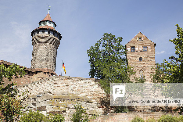 Kaiserburg mit Sinwellturm und Walburgiskapelle  Nürnberg  Bayern  Deutschland  Europa