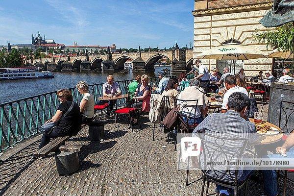Prag Hauptstadt Panorama Restaurant Ansicht Karlsbrücke Prager Burg
