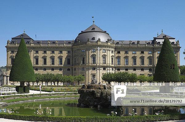 Südgarten des Hofgarten mit Residenzschloss  Residenz  Würzburg  Unterfranken  Bayern  Deutschland  Europa