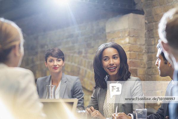 sprechen,Mensch,Geschäftsbesprechung,Menschen,Zimmer,Besuch,Treffen,trifft,Business,Konferenz