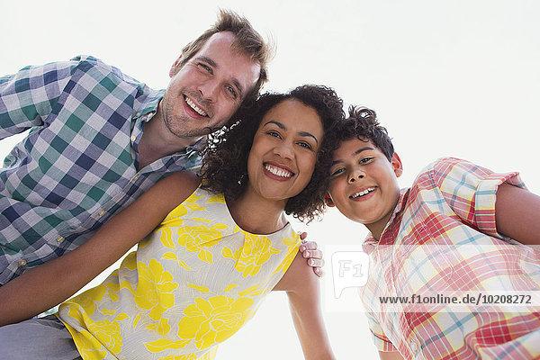 Portrait begeisterte Familie