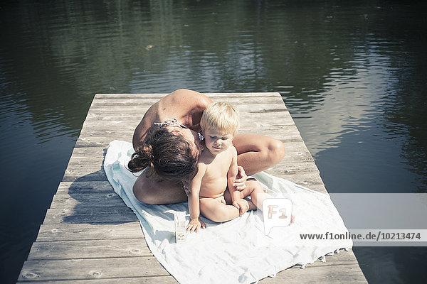 Europäer Sohn küssen See Mutter - Mensch