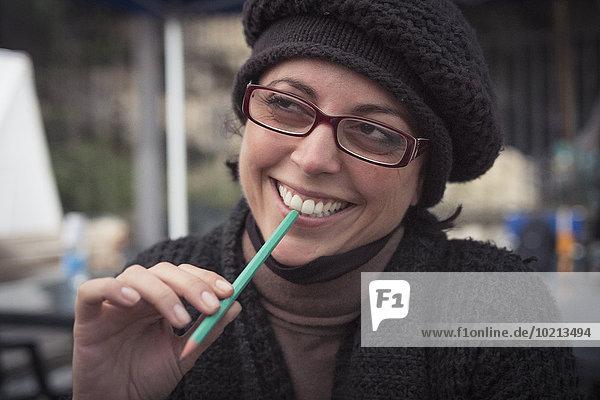Europäer Frau Bleistift lächeln halten Close-up close-ups close up close ups