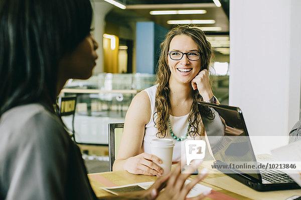 Zusammenhalt Mensch Menschen arbeiten Cafe Business