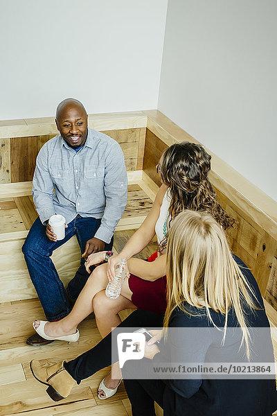 Eingangshalle sprechen Mensch Büro Menschen Business