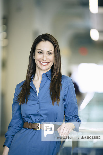 Europäer Geschäftsfrau lächeln Büro