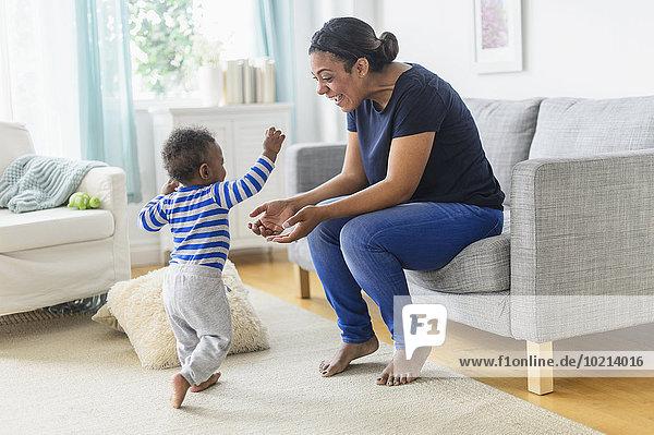Sohn Zimmer mischen Wohnzimmer Mutter - Mensch Baby Mixed spielen