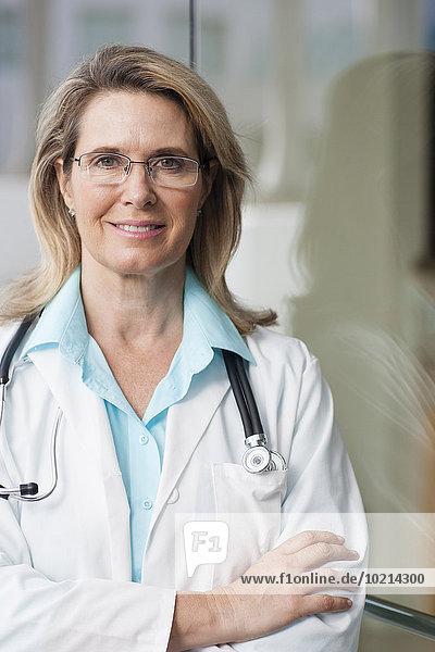 überqueren Europäer lächeln Arzt