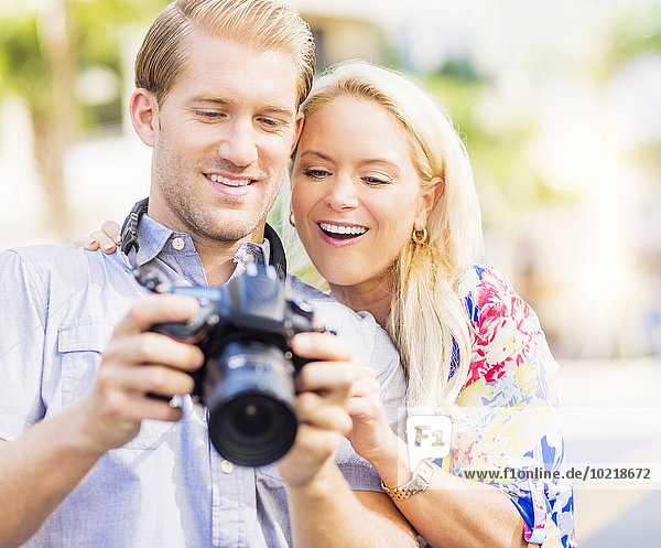 Europäer unterhalten Fotografie Fotoapparat Kamera