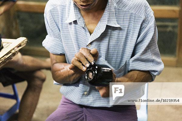Tradition streichen streicht streichend anstreichen anstreichend Design Handwerker