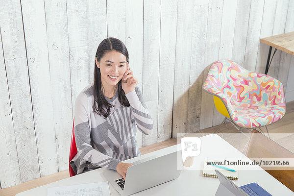 Frau Lifestyle arbeiten Büro jung japanisch
