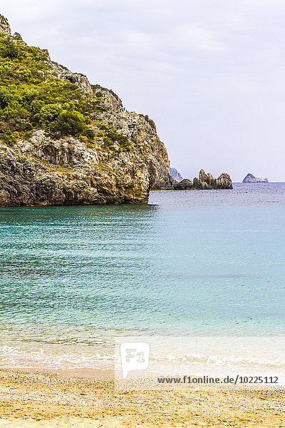 Griechenland  Korfu  Strand von Paleokastritsa