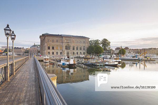 Schweden  Stockholm  Skeppsholms Brücke und das Nationalmuseum