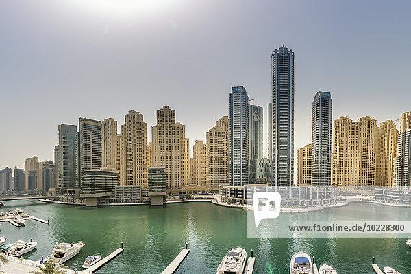 VAE  Dubai  Blick auf Dubai Marina