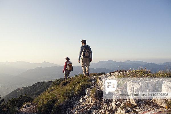 Österreich  Tirol  Paarwandern am Unterberghorn