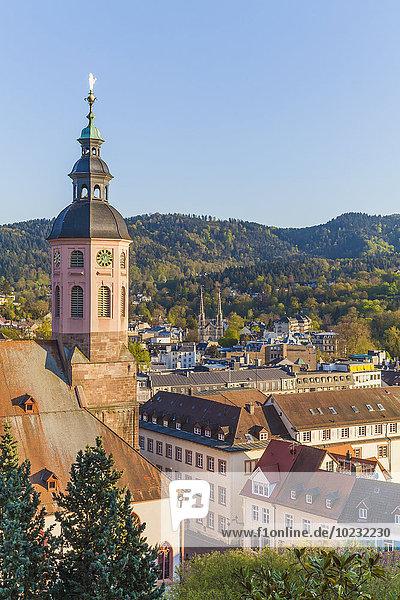 Deutschland  Baden-Württemberg  Baden-Baden  Stadtbild mit Stiftskirche