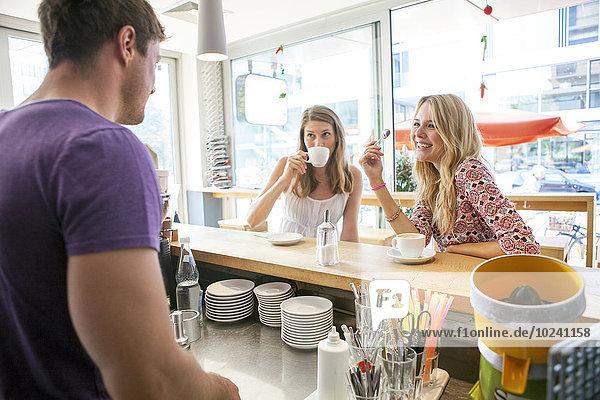 Frau Tasse Restaurant 2 Kaffee