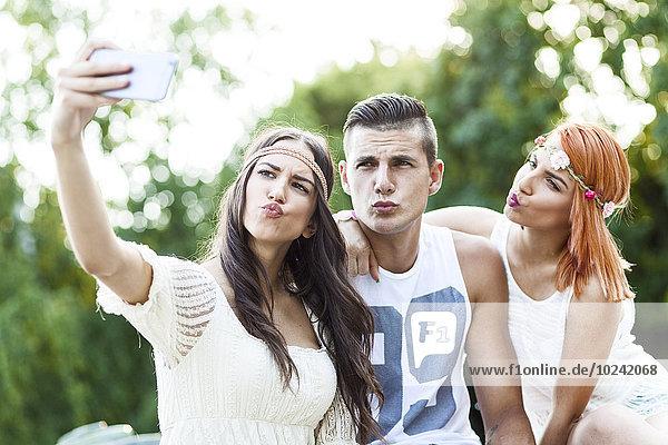Portrait Mensch Lifestyle nehmen Menschen jung Einsamkeit Mode Hippie