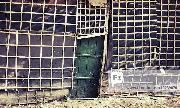 Beschädigtes Haus in Poipet  Kambodscha