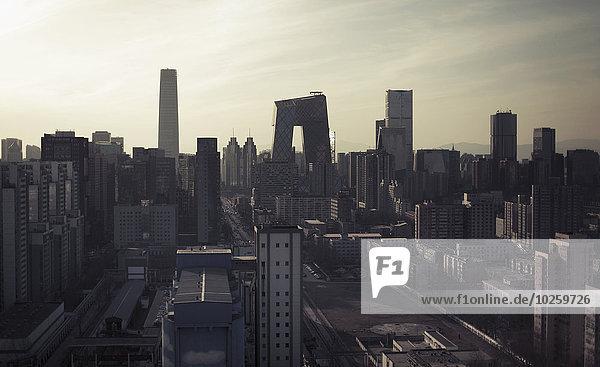 Modernes Stadtbild gegen den Himmel  Peking  China