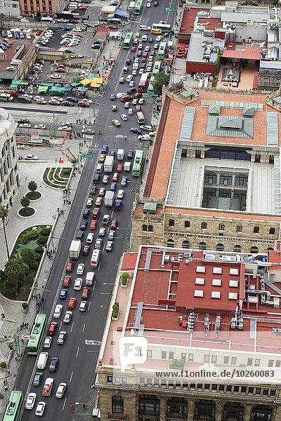 hoch,oben,Gebäude,Straße,Großstadt,Ansicht,Flachwinkelansicht,Winkel