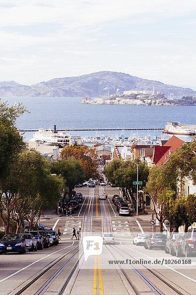 Hyde Street in Richtung Hafen gegen Berg