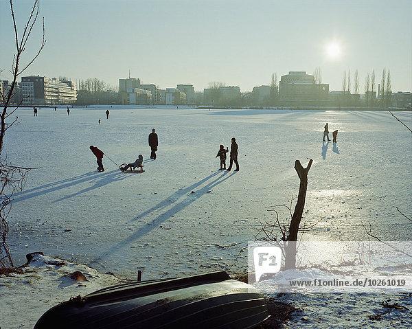 bedecken,Mensch,Tag,Menschen,Landschaft,Sonnenlicht,Schnee