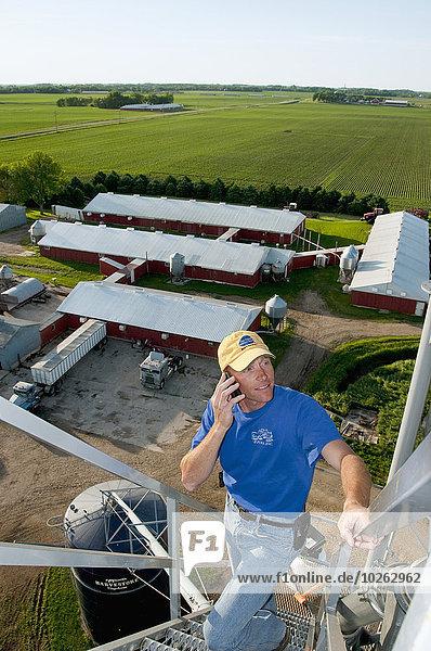 Handy Getreide sprechen Amerika Hintergrund Feld Bauer jung Verbindung Bauernhof Hof Höfe über Minnesota