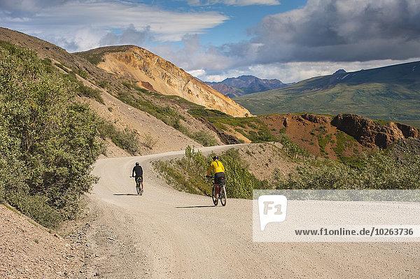 Nationalpark Sommer Fahrradfahrer Fernverkehrsstraße 2 Denali Nationalpark bunt