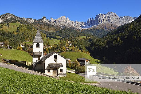 Trentino Südtirol klein Kirche Dolomiten UNESCO-Welterbe Italien