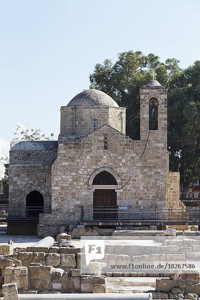 Gebäude Ruine Kirche Fokus auf den Vordergrund Fokus auf dem Vordergrund Glocke Zypern