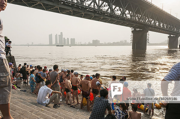 Fluss schwimmen China Wuhan
