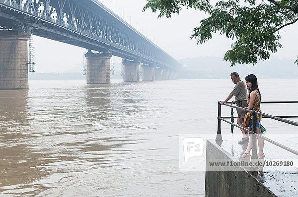 Ecke Ecken Sonnenuntergang Brücke Fluss Ansicht China Wuhan
