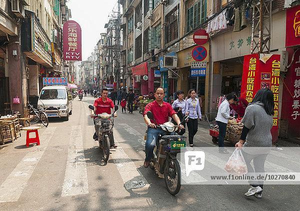 Tradition Fahrradfahrer Straße Fußgänger China Markt Xiamen