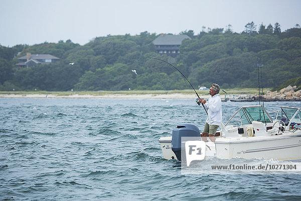 Mann, Amerika, Boot, angeln, Verbindung, Cape Cod National Seashore, Massachusetts