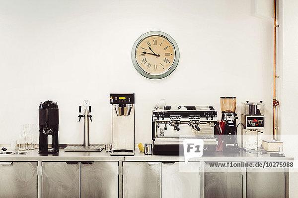 Diverse Kaffeemaschinen auf der Großküche Diverse Kaffeemaschinen auf der Großküche
