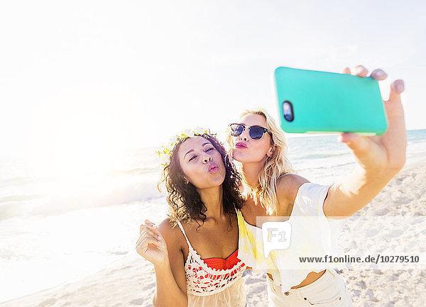Freundschaft nehmen Strand