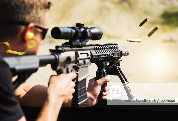Mann schießen