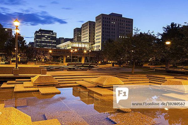 Nacht Stadt Quadrat Quadrate quadratisch quadratisches quadratischer